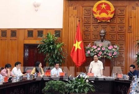Primer ministro vietnamita trabaja con las autoridades de Quang Ngai - ảnh 1