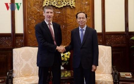 Presidente vietnamita recibe a diplomáticos de Reino Unido y los Países Bajos  - ảnh 1