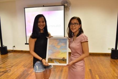 Más becas singapurenses para alumnos pobres de Vietnam  - ảnh 1