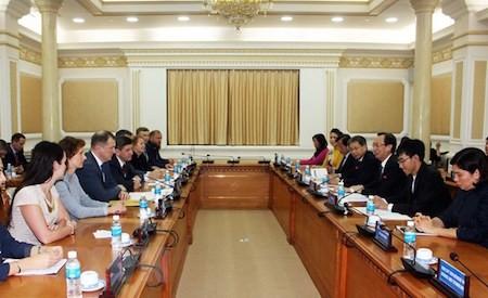 Impulsan cooperación entre Ciudad Ho Chi Minh y San Petersburgo - ảnh 1