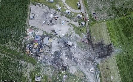Enorme explosión de pirotécnicos dejó 24 muertos en México - ảnh 1