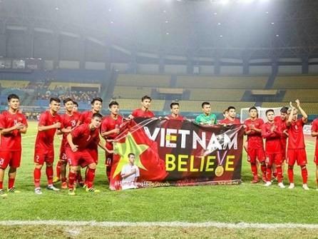 Primer ministro de Vietnam valora esfuerzos del equipo olímpico de fútbol  - ảnh 1