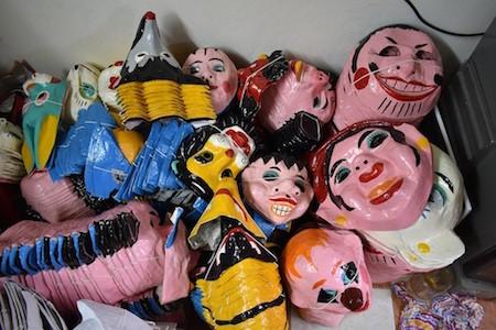 Única familia fabricante de máscaras de cartulina tradicionales en Hanói - ảnh 12