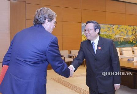 Vicepresidente de Asamblea Nacional de Vietnam recibe a delegación del Parlamento Europeo - ảnh 1