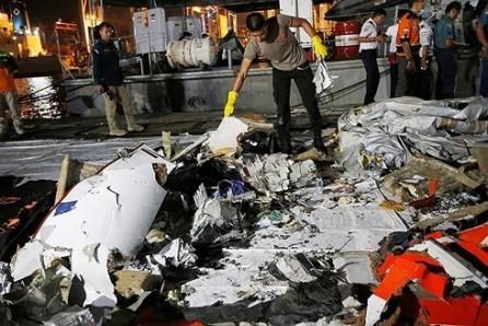 Dirigentes vietnamitas envían condolencias por tragedia aérea en Indonesia  - ảnh 1