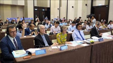 Revisan el proyecto de descontaminación de la dioxina en el aeropuerto de Da Nang  - ảnh 1
