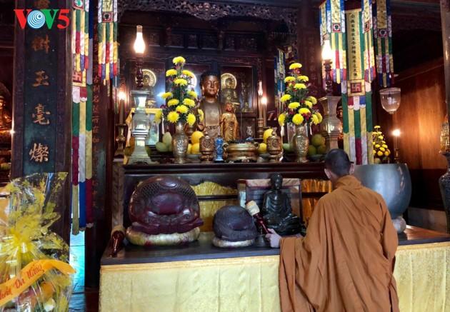 La mística belleza de la pagoda Tu Hieu, en la ciudad de Hue - ảnh 11