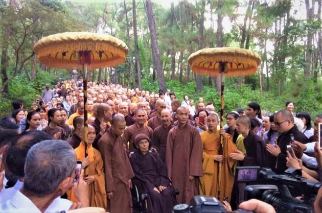 La mística belleza de la pagoda Tu Hieu, en la ciudad de Hue - ảnh 14