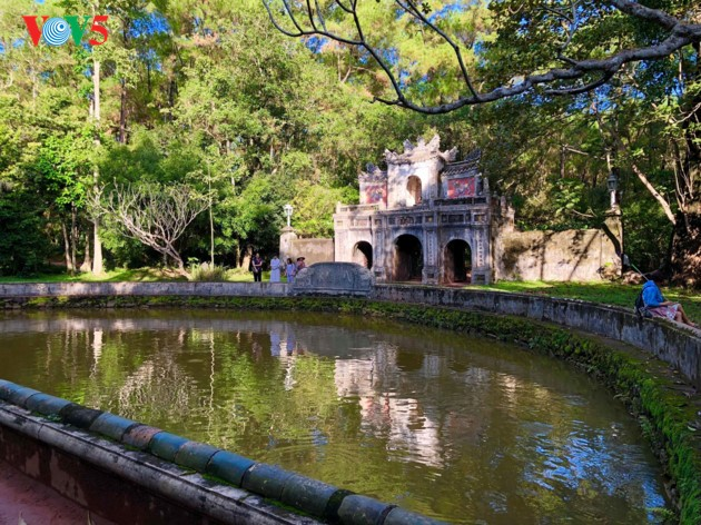 La mística belleza de la pagoda Tu Hieu, en la ciudad de Hue - ảnh 3