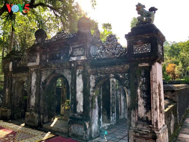 La mística belleza de la pagoda Tu Hieu, en la ciudad de Hue - ảnh 4
