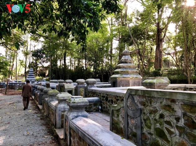 La mística belleza de la pagoda Tu Hieu, en la ciudad de Hue - ảnh 8