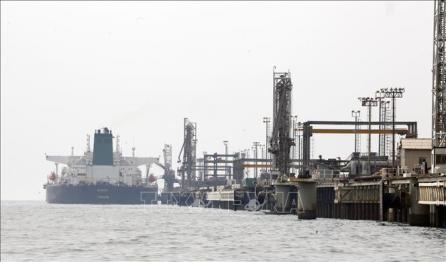 Irán busca vender petróleo a pesar de las sanciones de Estados Unidos - ảnh 1