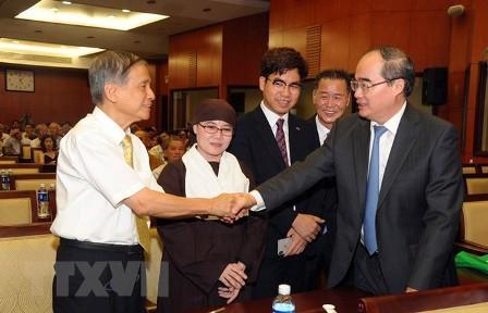 Ciudad Ho Chi Minh honra a vietnamitas en ultramar por sus contribuciones  - ảnh 1