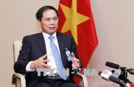 Valoran resultados significativos del viaje de primer ministro vietnamita a Suiza para el FEM 2019 - ảnh 1