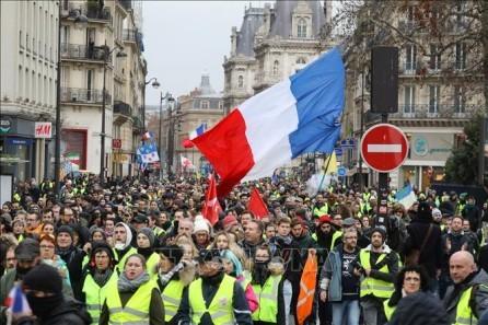 "Manifestaciones de ""Chalecos Amarillos"" siguen en Francia - ảnh 1"
