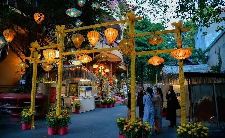 Inauguran espacio artístico de budismo en Ciudad Ho Chi Minh en ocasión del Tet 2019 - ảnh 1