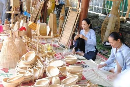 Octavo festival de artesanía tradicional de Hue  - ảnh 1