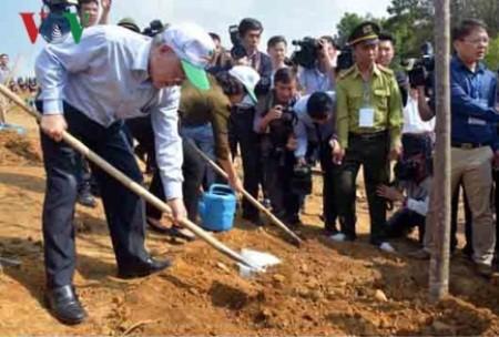 Máximo dirigente político de Vietnam visita provincia de Yen Bai - ảnh 1