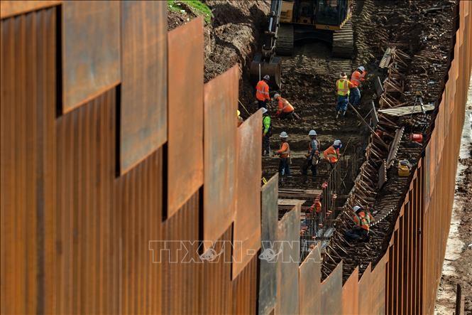 El Pentágono asigna fondos para contrucción de muro fronterizo - ảnh 1