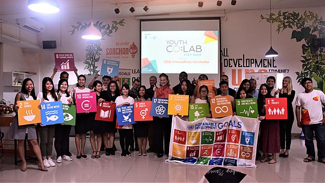 Cumbre en busca de iniciativas políticas sobre emprendimiento juvenil - ảnh 1