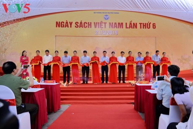 El sexto Día del Libro de Vietnam - ảnh 3
