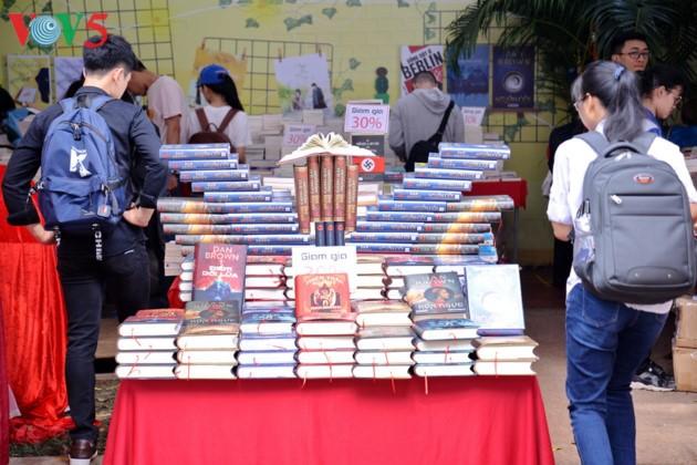 El sexto Día del Libro de Vietnam - ảnh 6