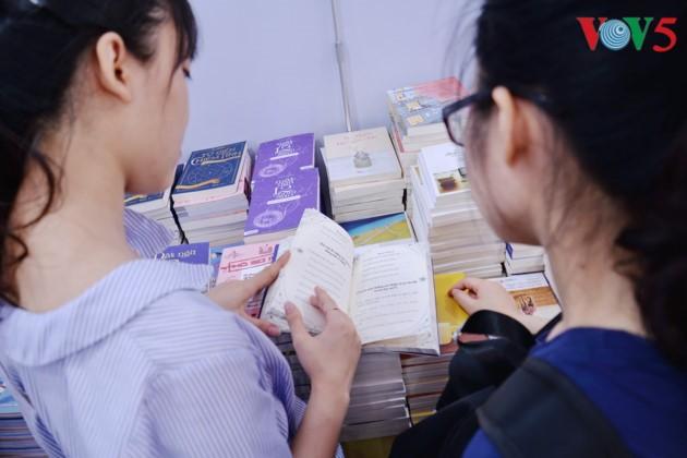 El sexto Día del Libro de Vietnam - ảnh 10