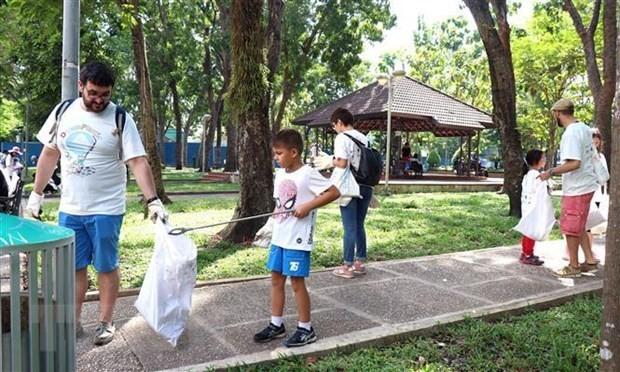 Premier vietnamita pide accionar para tratar la contaminación de residuos plásticos - ảnh 1