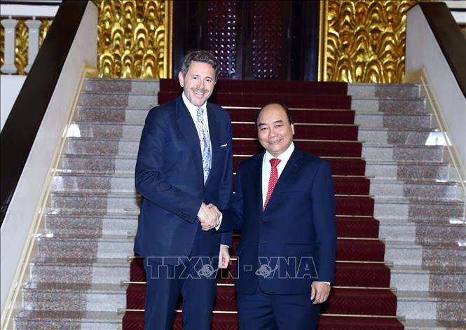 Primer ministro vietnamita recibe a altos funcionarios de Rumania y Austria - ảnh 2
