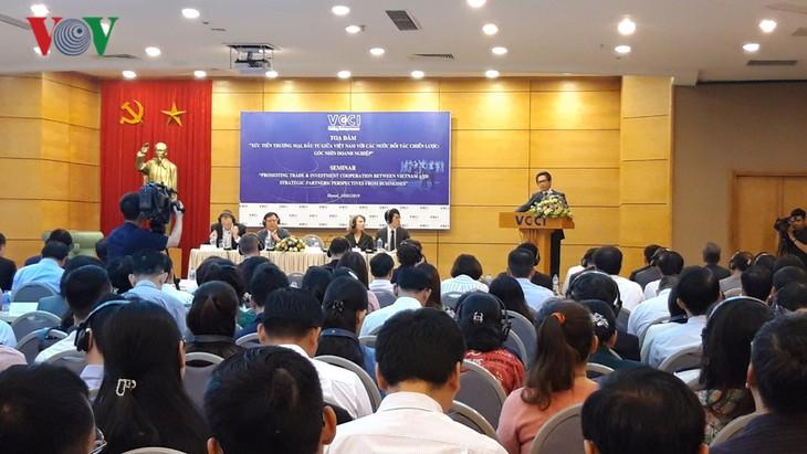 Impulsan comercio e inversiones entre Vietnam y sus socios estratégicos - ảnh 1