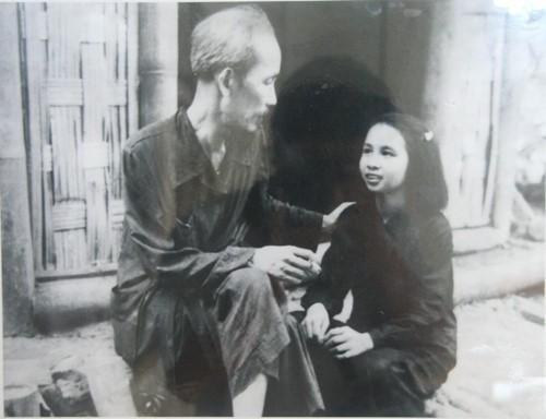Fotos de archivo sobre el presidente Ho Chi Minh - ảnh 9