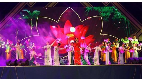 Continúan actividades conmemorativas por natalicio de presidente Ho Chi Minh - ảnh 1