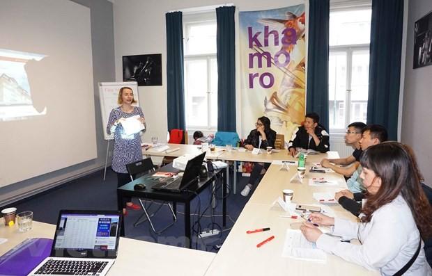 Cursos para mejorar integración de extranjeros residentes en República Checa  - ảnh 1