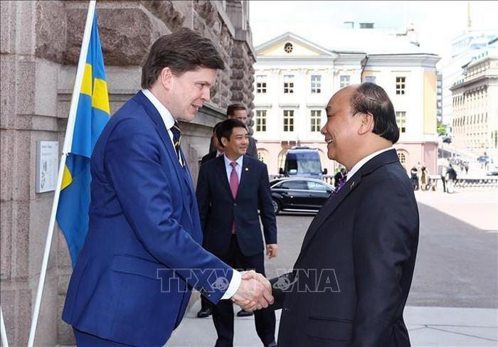 Primer ministro de Vietnam recibido por presidente del Parlamento sueco  - ảnh 1