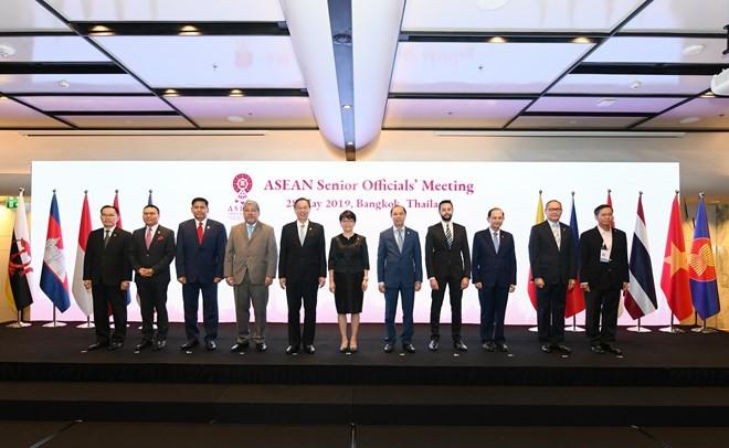 Reunión de altos funcionarios de la Asean por reforzar la cooperación interna  - ảnh 1
