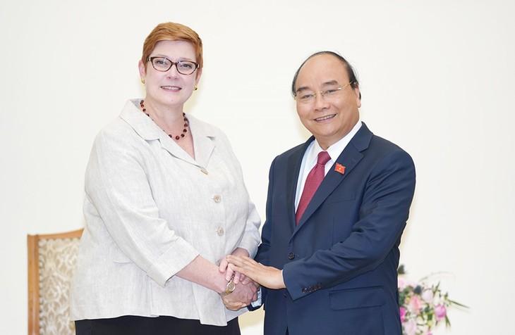 Primer ministro de Vietnam recibe a la canciller australiana - ảnh 1