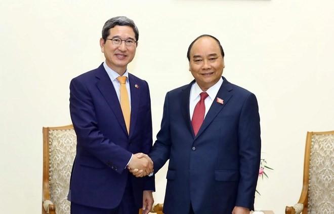 Vietnam desea profundizar los nexos con Corea del Sur, afirma primer ministro Nguyen Xuan Phuc - ảnh 1