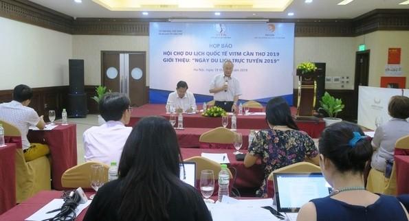 Celebran Día del Turismo Online 2019 en Hanói - ảnh 1