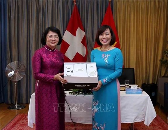 Aprecian contribución de la comunidad vietnamita en ultramar  - ảnh 1