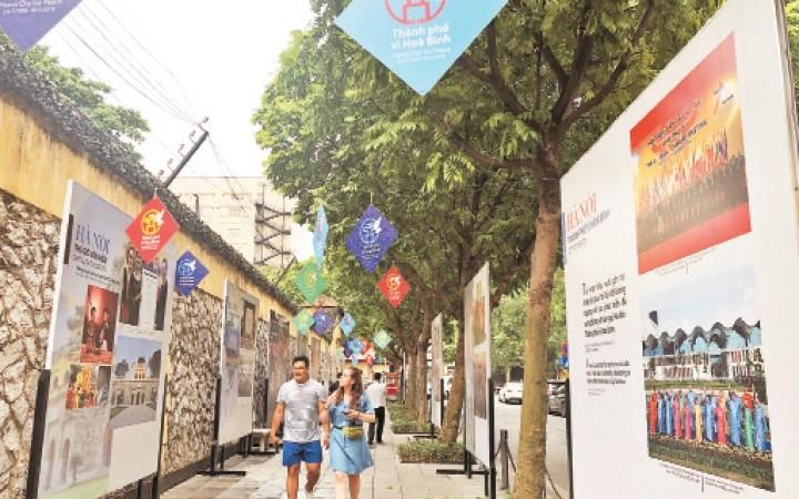 """Hanói se prepara para celebrar vigésimo aniversario del título """"Ciudad por la Paz"""" - ảnh 1"""