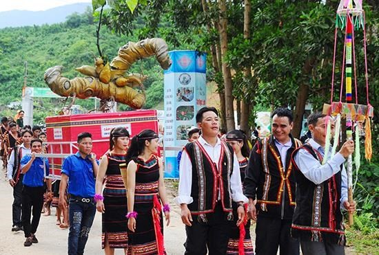 Celebran tercer Festival de ginseng Ngoc Linh - ảnh 1