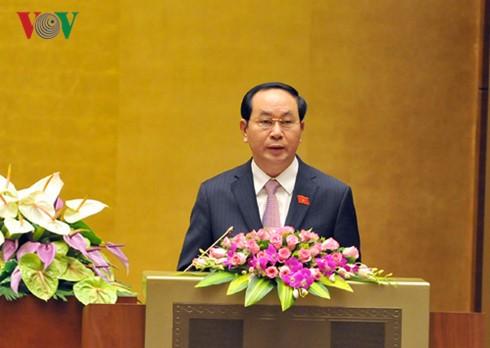 越南国会听取国家主席关于免去政府总理职务的呈文 - ảnh 1