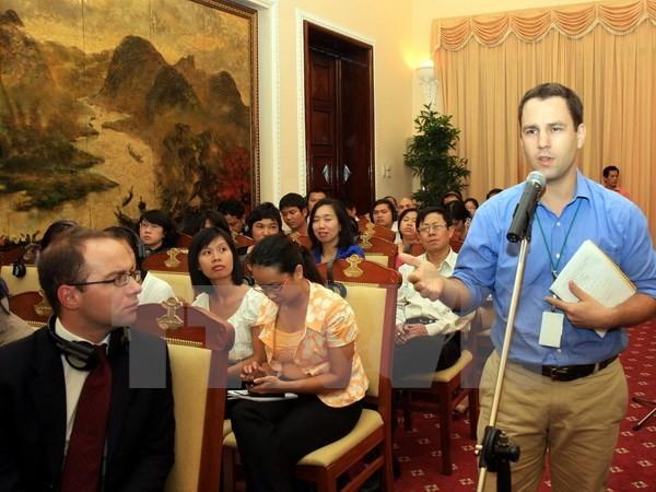 70年与在越外国记者同行 - ảnh 1