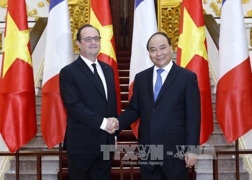 阮春福会见法国总统奥朗德 - ảnh 1