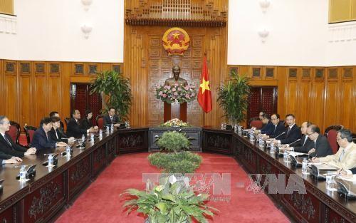 阮春福会见新加坡人民行动党代表团 - ảnh 1