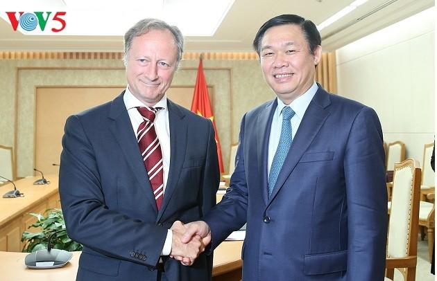 越南希望与比利时、斯洛伐克和欧盟加强合作关系   - ảnh 1