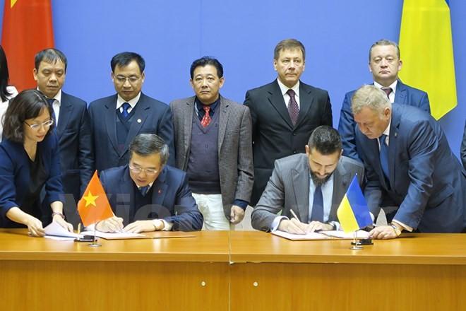 越南与乌克兰政府间经贸和科技合作委员会第14次会议在基辅举行 - ảnh 1