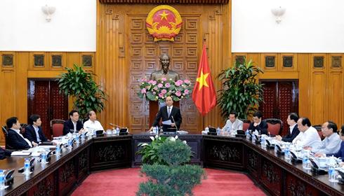 越南政府党组干事委员会认真落实12届4中全会决议和政治局的5号指示 - ảnh 1