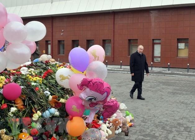 俄罗斯全国哀悼日 悼念克麦罗沃火灾遇难者 - ảnh 1
