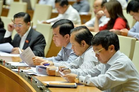 越南14届国会5次会议讨论《反腐败法修正案(草案)》 - ảnh 1